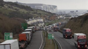 Hauliers told to prepare for even worse ports chaos