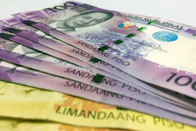Peso climbs on hopes of policy changes in US